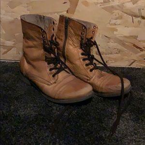 Distressed/Vintage looking Boots